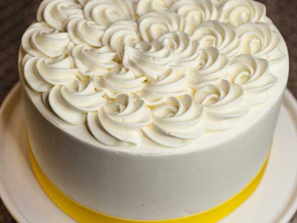 Lemon and White Chocolate Cake